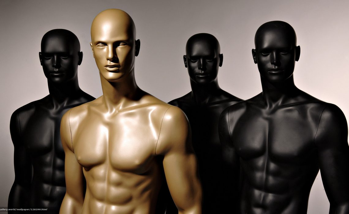 Plastic Mannequins Vs. FRP Mannequins for your Window Display