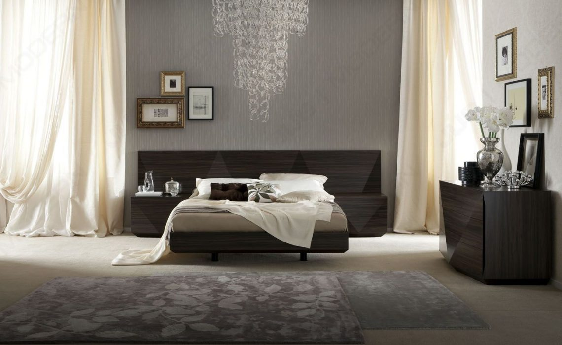 Top 5 Must Have Things for a Luxury Bedroom