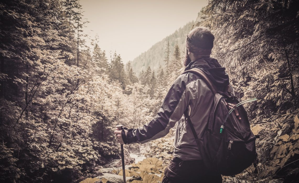 Hiking for Beginners: 10 Essential Tips