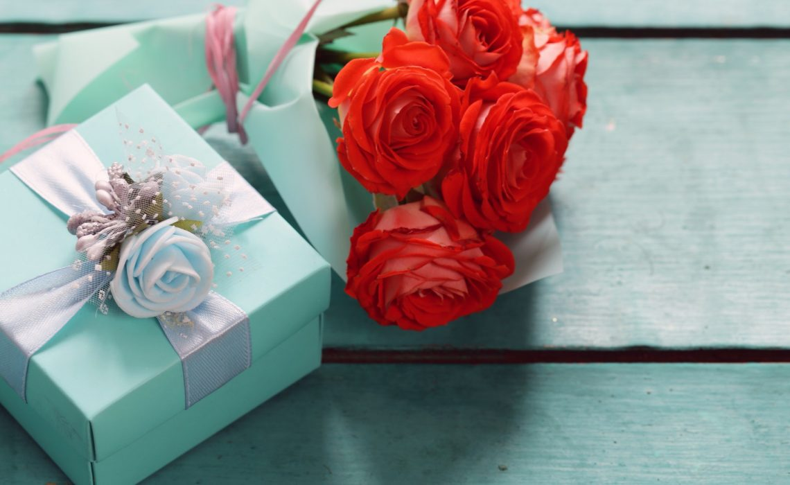 7 Things You Can Gift Your Girlfriend Without Breaking The Bank