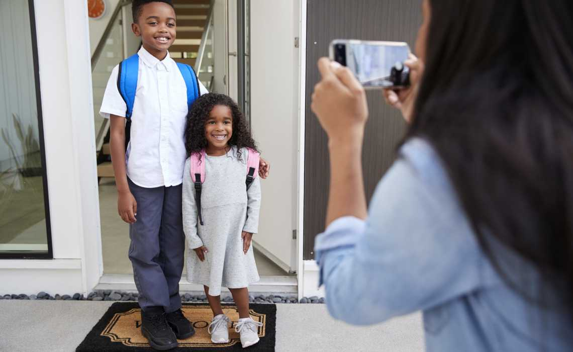 How Parents Can Escape the Pricey Packages of School Pictures
