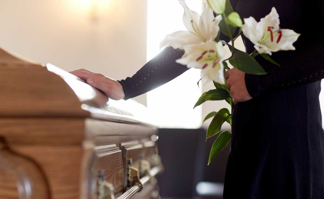 A Buyers Guide on Obtaining a Casket
