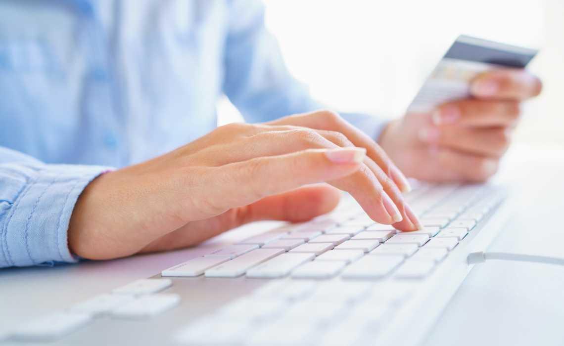 Low-Risk VS High-Risk Online Merchants