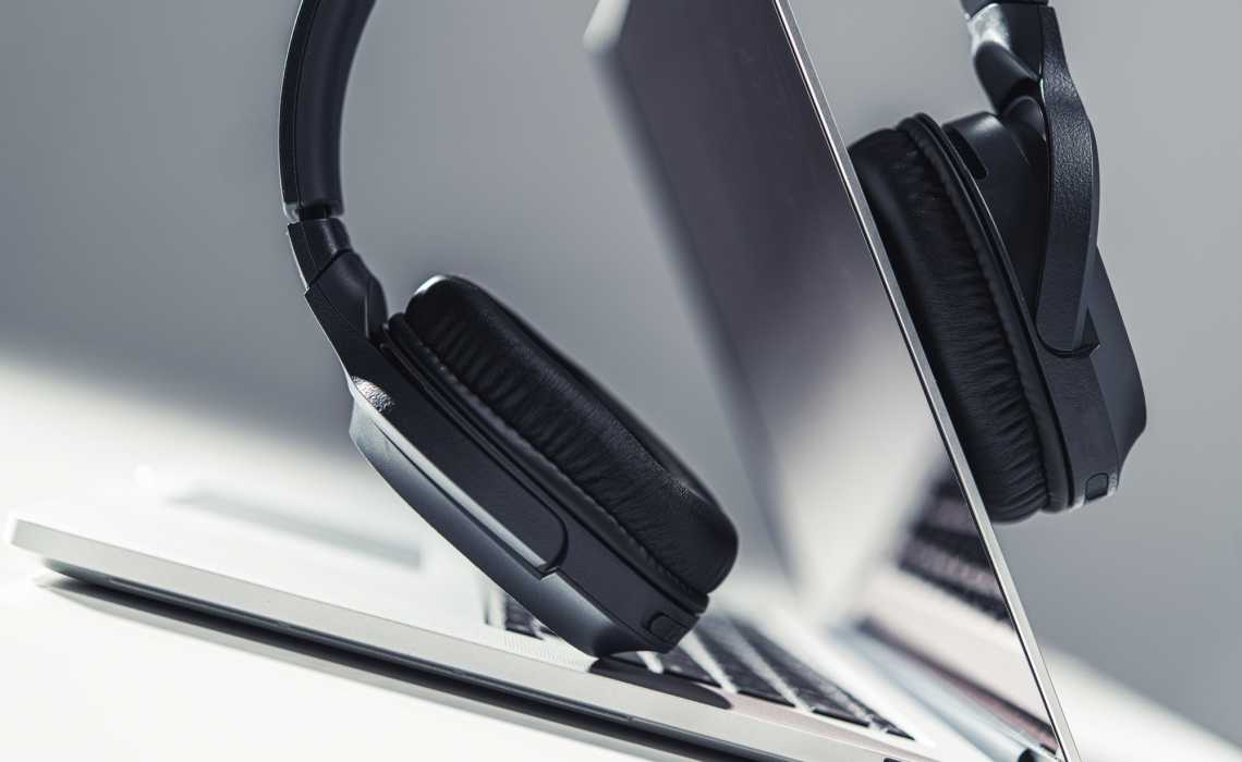 Which Headphones Brand To Buy In 2020
