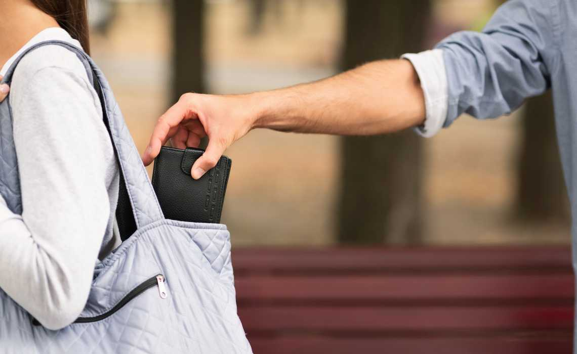 How To Protect Yourself From Pickpockets And Thieves When You Travel