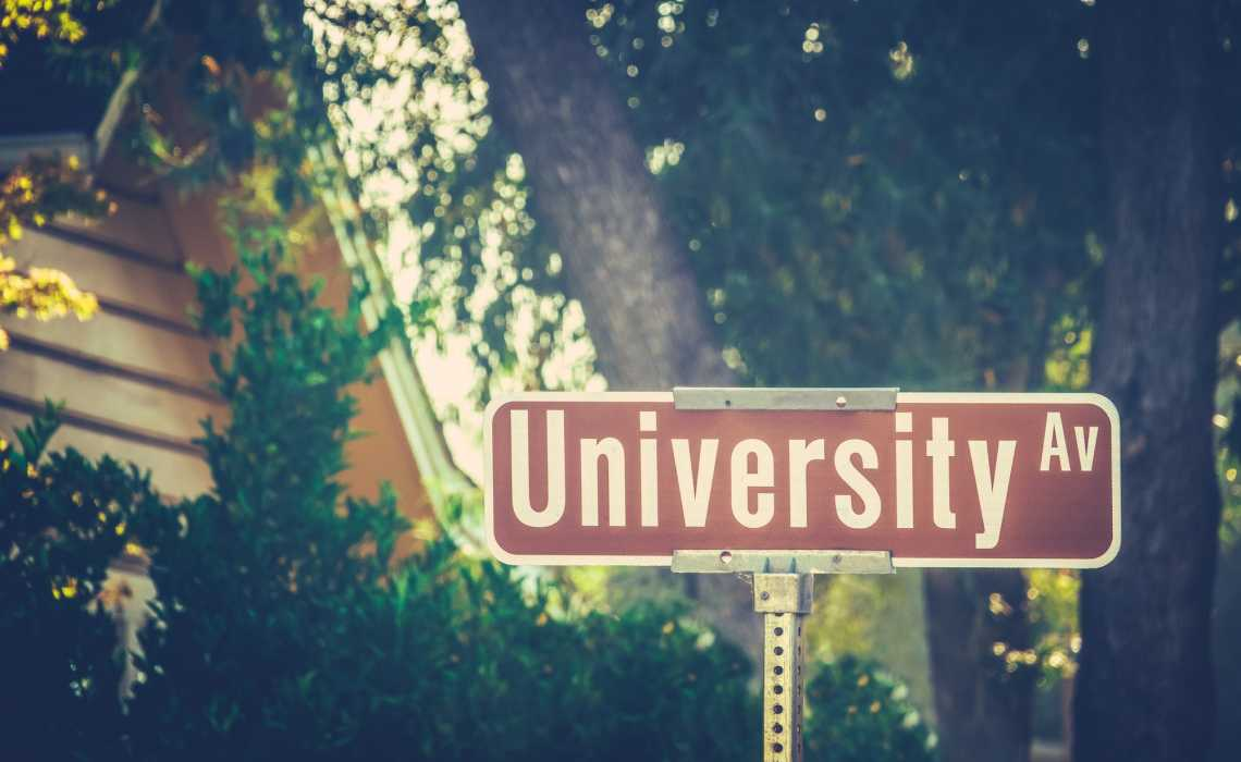 Nine Factors To Consider When Choosing A University