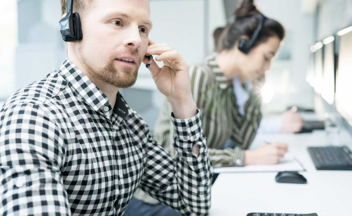 The Top Six Benefits of Moving to a VoIP Telephone System