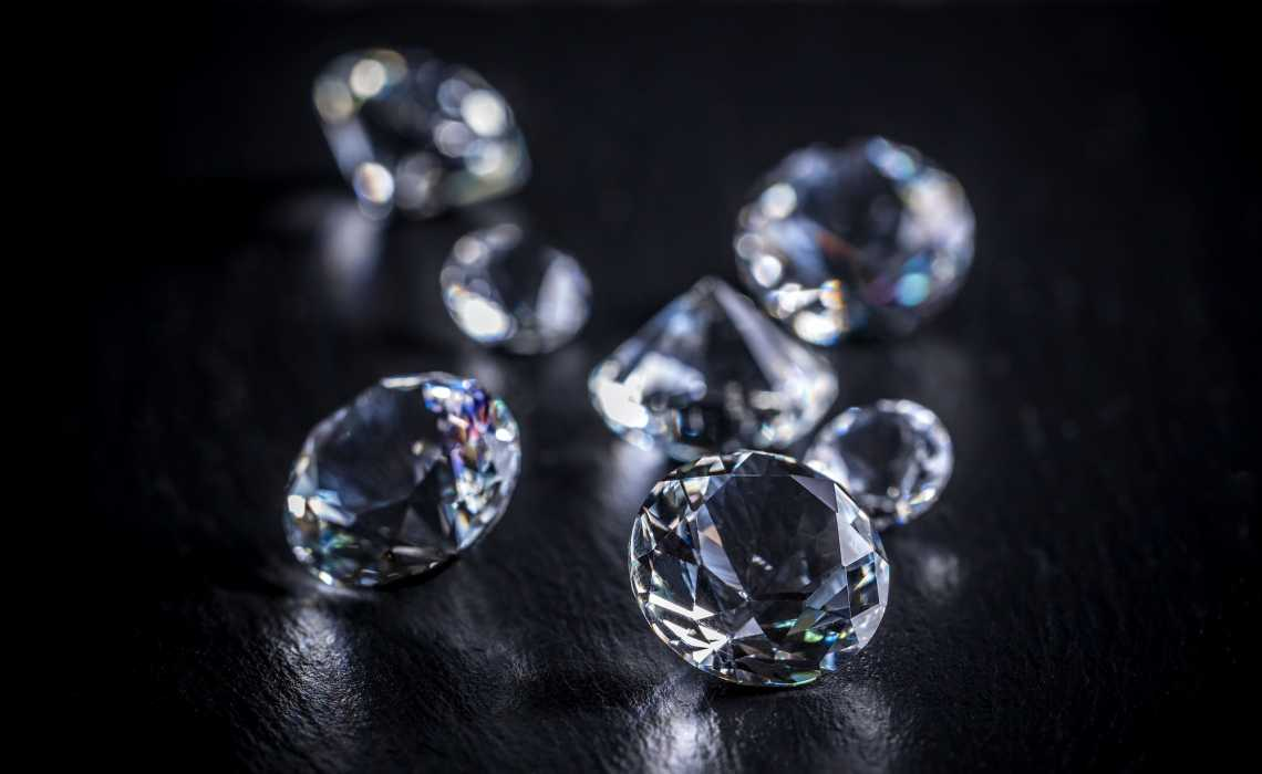 Natural Versus Synthetic Diamonds: How They Are Different